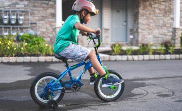 kinderen-fietsen-corona